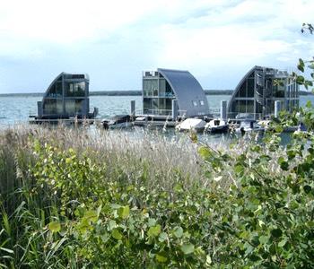 Impression aus der Lausitz: Schwimmende Häuser Geierswalde