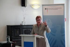 Frau Iris Gleicke, Ostbeauftragte der Bundesregierung